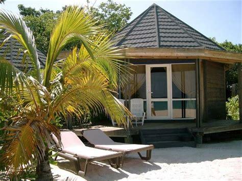 kuredu island resort spa maldives book