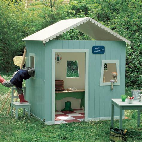cabane enfant bois une cabane de jardin pour enfant