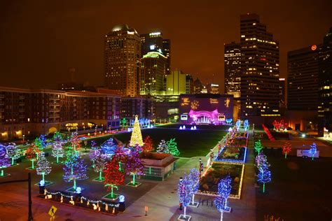 the 9 best holiday light displays in columbus