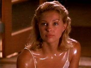 No'One.... Ashley Judd looks good as a blond. Remember her ...