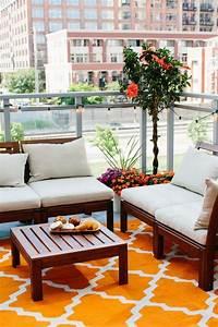 die 25 besten ideen zu balkonmobel fur kleinen balkon auf With balkon teppich mit graffiti tapete selbst gestalten