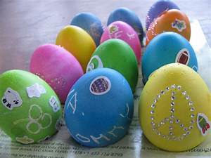 5 Ways to Decorate Easter Eggs - Image 3