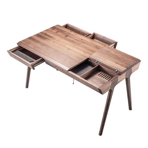 bureau noyer metis bureau design en bois avec tiroirs et