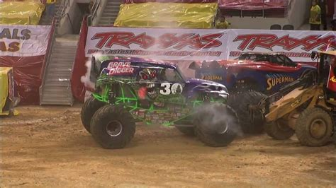 grave digger monster truck youtube monster jam dennis anderson and grave digger monster