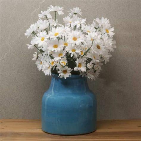 margherite in vaso composizione fiori per la casa vaso e margherite artificiali