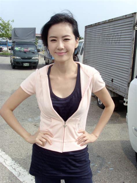 아줌마 의심되는 발광 미모 홍은희 네모판