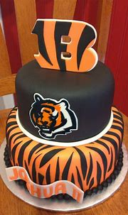 Sugar Love Cake Design: Cincinnati Bengals Cake