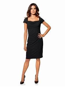 Petite robe noire a col carre fluide decollete drape for Robe noire fluide