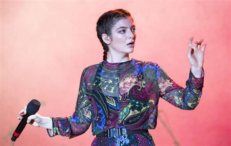 In a fan mailer on june 21, lorde revealed that the album would be out this summer. Lorde is already planning her third album