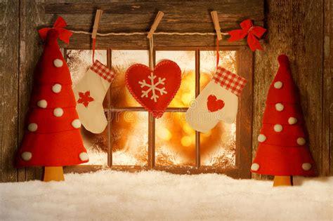Weihnachtsdeko Fenster Stock by Weihnachten Verzierte Fenster Stockfoto Bild Dunkel