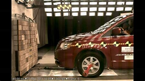 town and country test chrysler town and country 2012 frontal crash test by nhtsa crashnet1