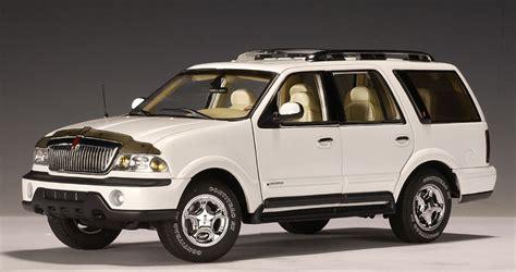 autoart  lincoln navigator white