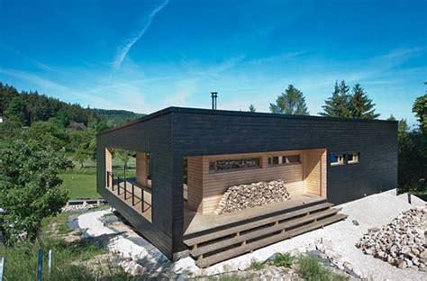 maison bois en kit toit plat maison contemporaine maison design plusvilla design 233 pur 233 scandinave