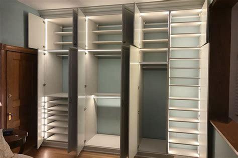 Custom Wardrobe Closet With Led Closet Lights