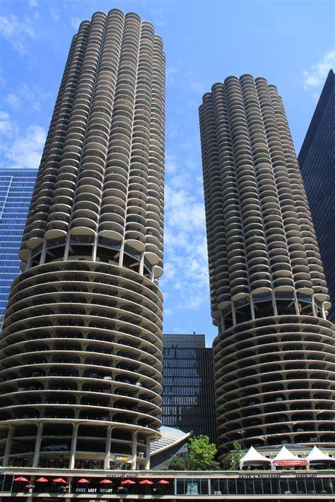 parking garage in chicago