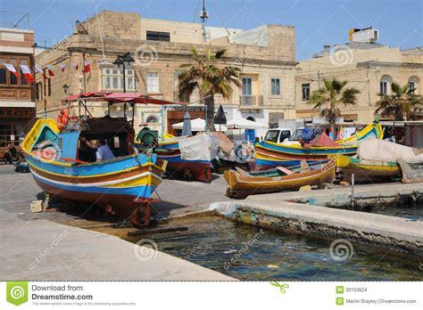 dans le port d amsterdam tab bateaux de p 234 che maltais marsaxlokk image stock 233 ditorial image 30103624