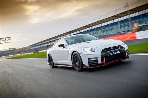 nissan gt  nismo review whats   extreme