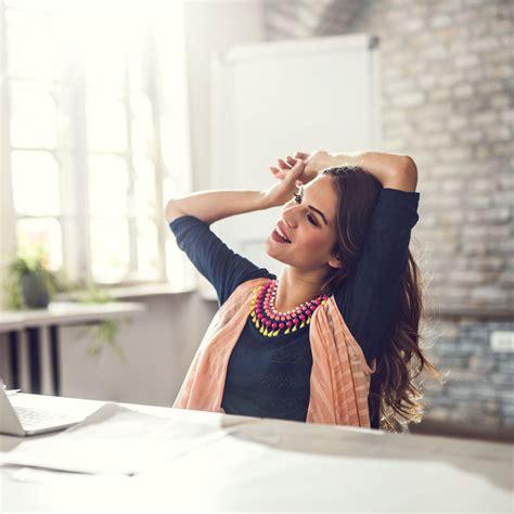 lutter contre le sommeil au bureau nos astuces pour lutter contre le mal de dos assis
