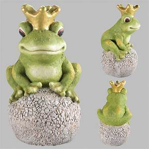 froschkonig auf kugel gartenfigur garten figur gartendeko With französischer balkon mit deko frosch für garten