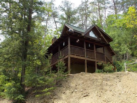 big cabin rentals pet friendly pet friendly cabin sevierville cabin mountain air