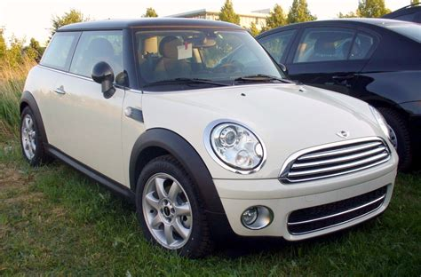Filemini R56 Cooper D Pepperwhite Wikimedia Commons