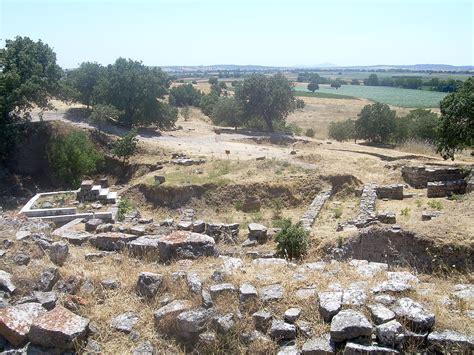 File:Hisarlik, Troy.jpg - Wikimedia Commons