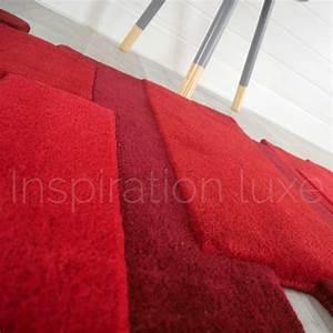 Tapis de luxe design fantaisie rouge pebbles rectangulaire for Tapis rouge avec canapé fantaisie