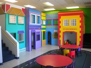Beautiful Preschool & Child Care / Day Care Center for