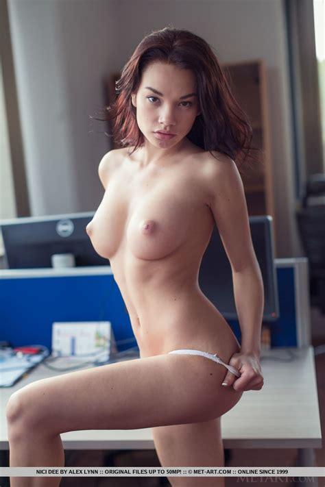 Nici Dee Banging Hot Body On This Sexy Nude Asian Babe At