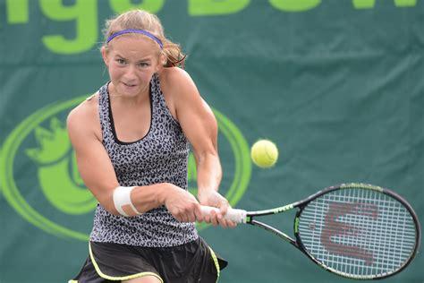 Talantīgā tenisiste Vismane jauno sezonu sāk ar pusfināla ...