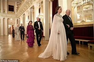 King of Norway pays tribute to William and Kate at ...
