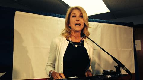 What The New Wendy Davis Ad Tells Us About Her Campaign