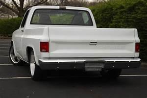 1986 Chevrolet C10 Custom Standard Cab Pickup 2