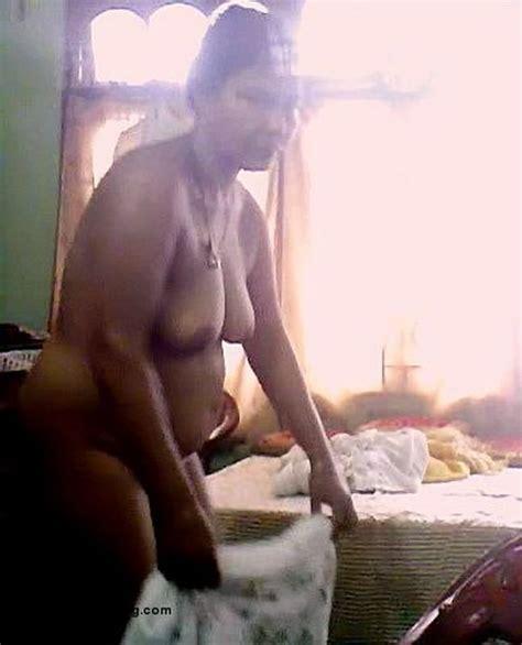 Randi Neelima Bhabhi Ki Mast Jawani Photo Album By