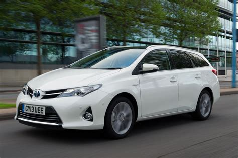 Toyota Auris Touring Sports Hybrid 1 by Toyota Auris Touring Sports 1 8 Hybrid Excel Drive