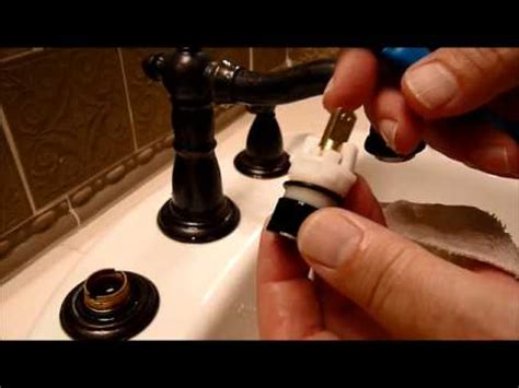 how to change a kitchen sink faucet delta bathroom faucet repair seats and springs serramar