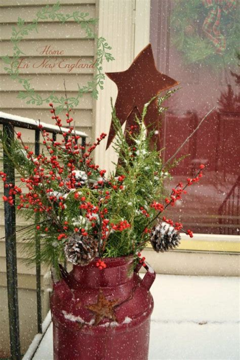 christmas milk can ideas pinterest 40 comfy rustic outdoor d 233 cor ideas interior decorating and home design ideas