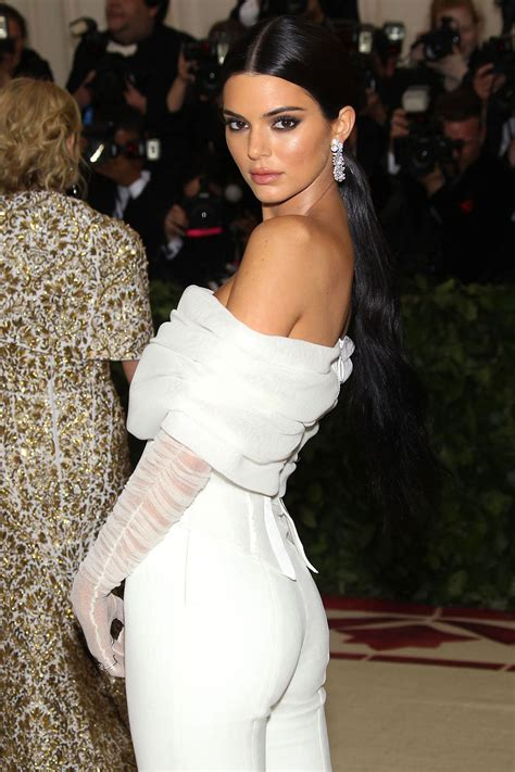celebrity fashion kendall jenner  met gala  justfabzz