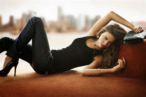 Most 10 Irina Shayk Beautiful Hot Latest Hd Wallpaper 2014