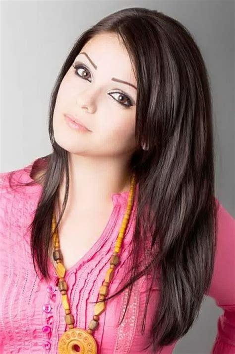 womens hairstyles layered hairstyle  inspiration