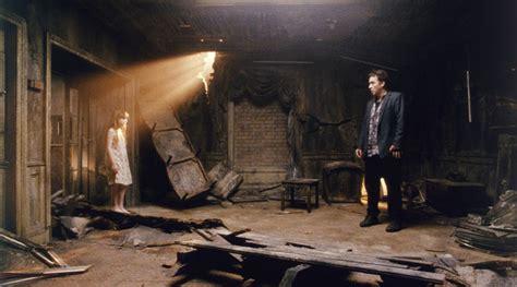 la chambre 1408 chambre 1408 crimson peak poltergeist shining ces 20 maisons dans lesquelles il ne fallait