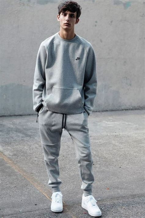 Best 25+ Sweatpants outfit ideas on Pinterest | Nike sweatpants Black nike joggers and Nike clothes