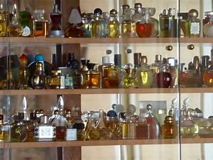 Vitrine De Collection : vitrine i collection de parfums atelier de sarah ~ Teatrodelosmanantiales.com Idées de Décoration