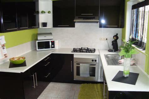 deco cuisine grise carrelage mural pour cuisine 20 idées déco pour une