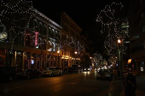 christmas lights of nashville vagabloggers the road home part 2 the tennessee two day