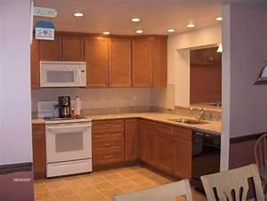 Recessed lighting top in kitchen