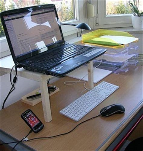 ordinateur portable bureau vall l 39 ergonomie contre les douleurs au bureau le manageur