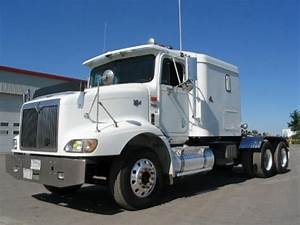 Left Front White 2000 International 9200 Picture
