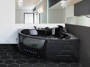 Whirlpool Badewanne Kaufen : luxus whirlpool badewanne schwarz mit glas led licht ~ Watch28wear.com Haus und Dekorationen
