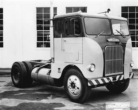 freightliner  truck circa  freightliner trucks
